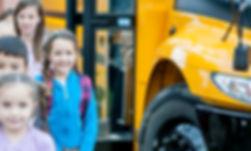 I bambini Arrivando alla scuola