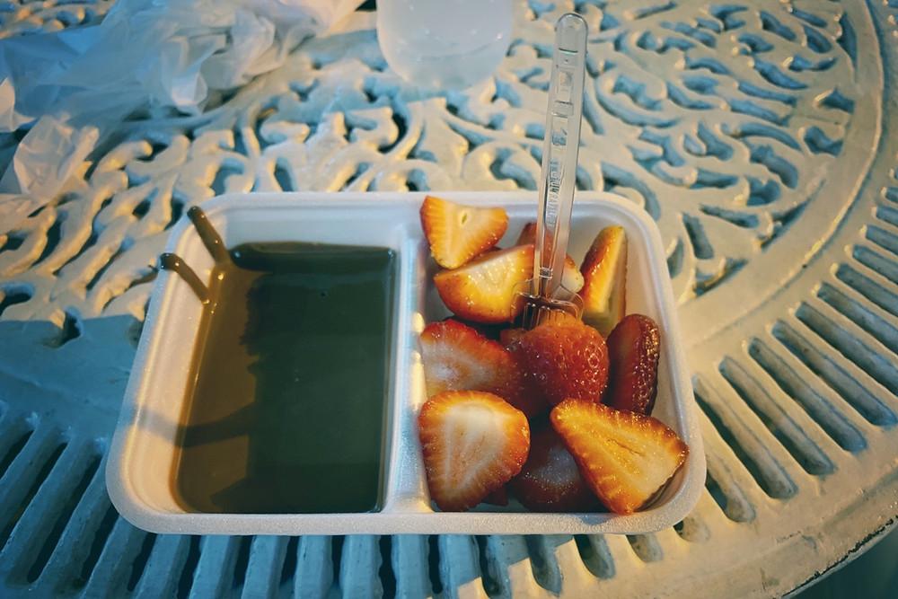 fondue de chocolate com morango