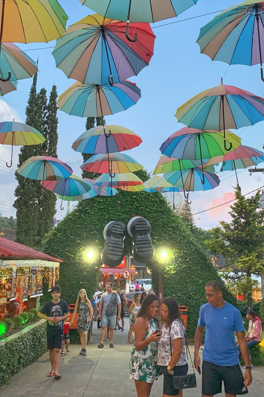 corredor de guarda-chuvas em Penedo