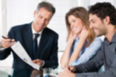 iStock_Consult-Bank-family-Couple-Custom