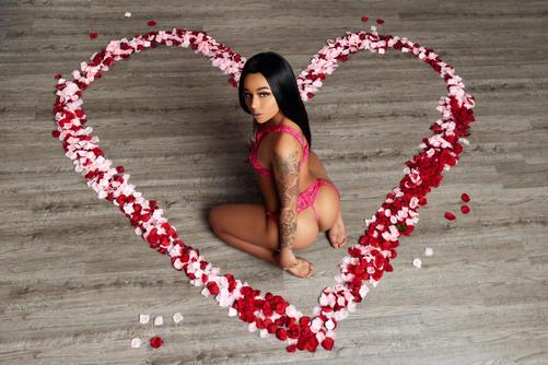 sexy valentines day photoshoot