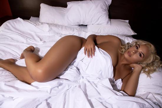 bedroom boudoir
