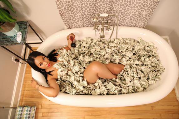Krystle old money tub retouched 02.jpg