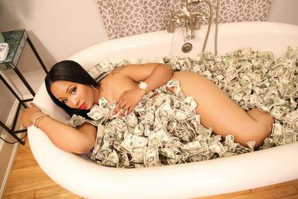 Krystle old money tub retouched 01.jpg