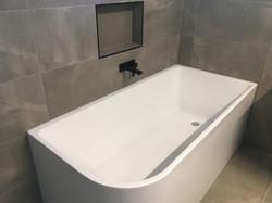 replacing bathtubs