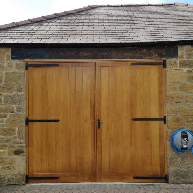 Accoya garage doors