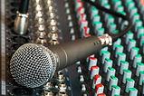 microphone-626032_640.jpg