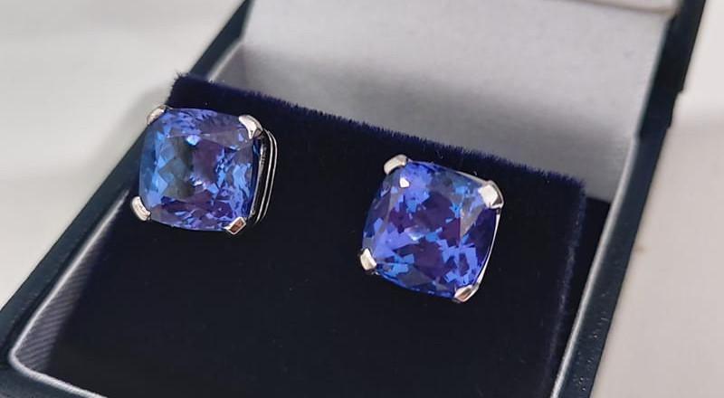 Tanzanite Gold Earrings