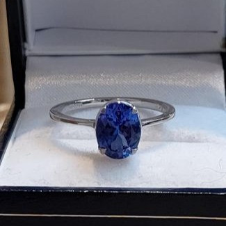3 carat Tanzanite solitaire gold ring