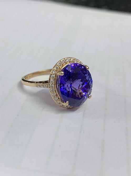 8 Carat Tanzanite and Diamond Ring
