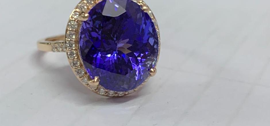 8 carat Tanzanite1.jpg