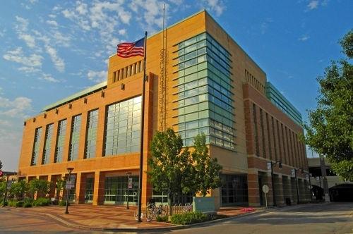 Des Plaines Public Library.jpg