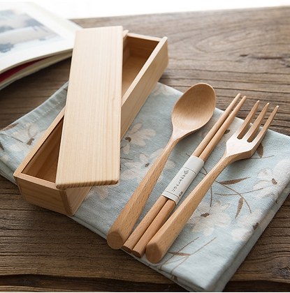 Portable Natural Wood Dinnerware Set