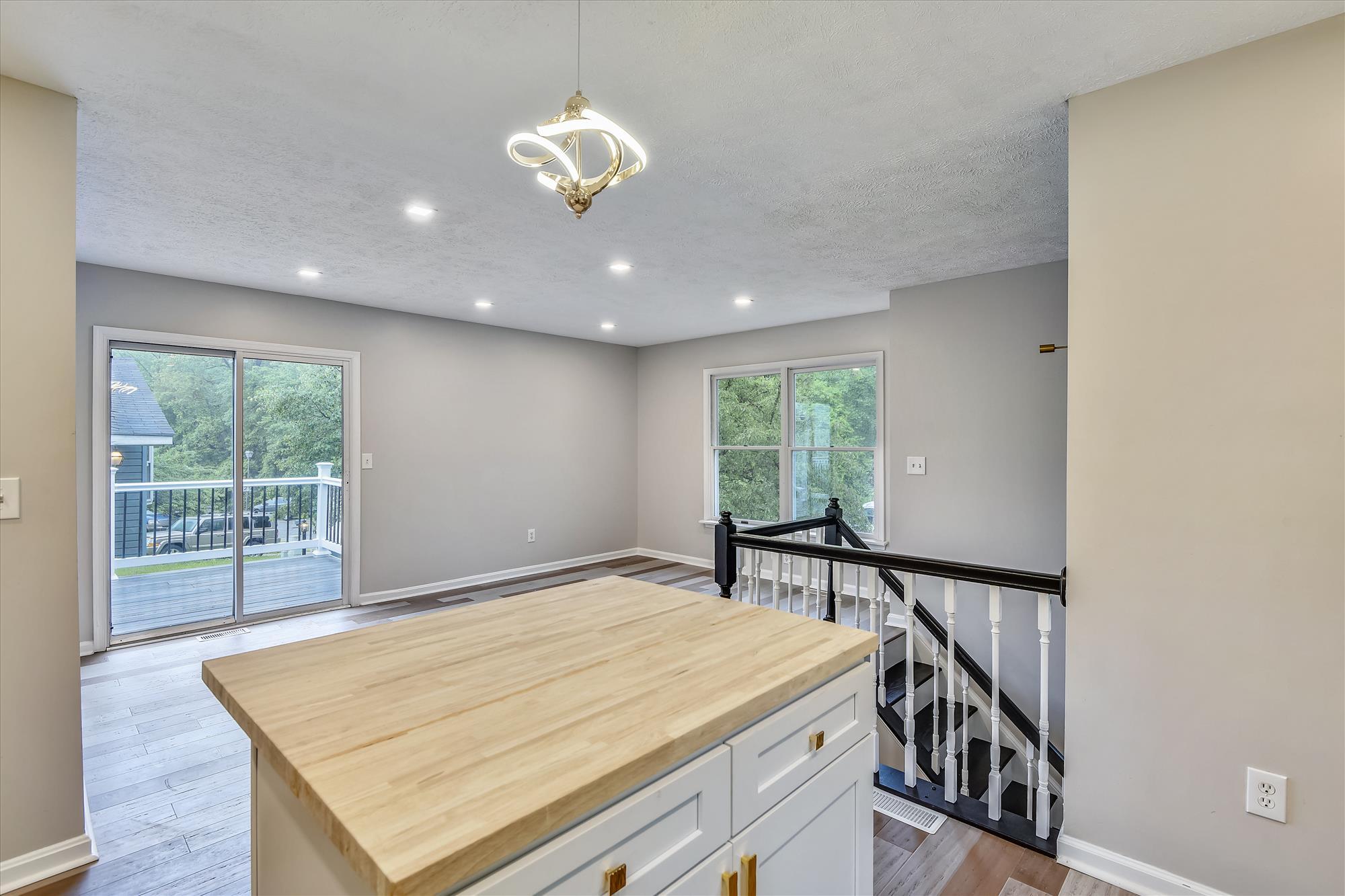 Main Level-Kitchen-_DSC3123