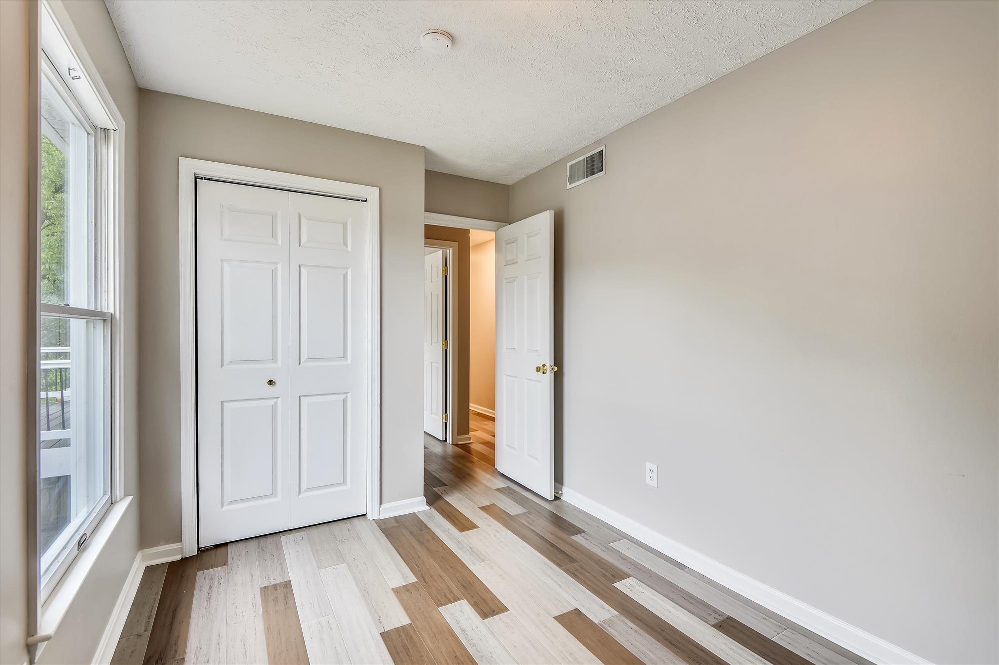 Main Level-Bedroom-_DSC3183