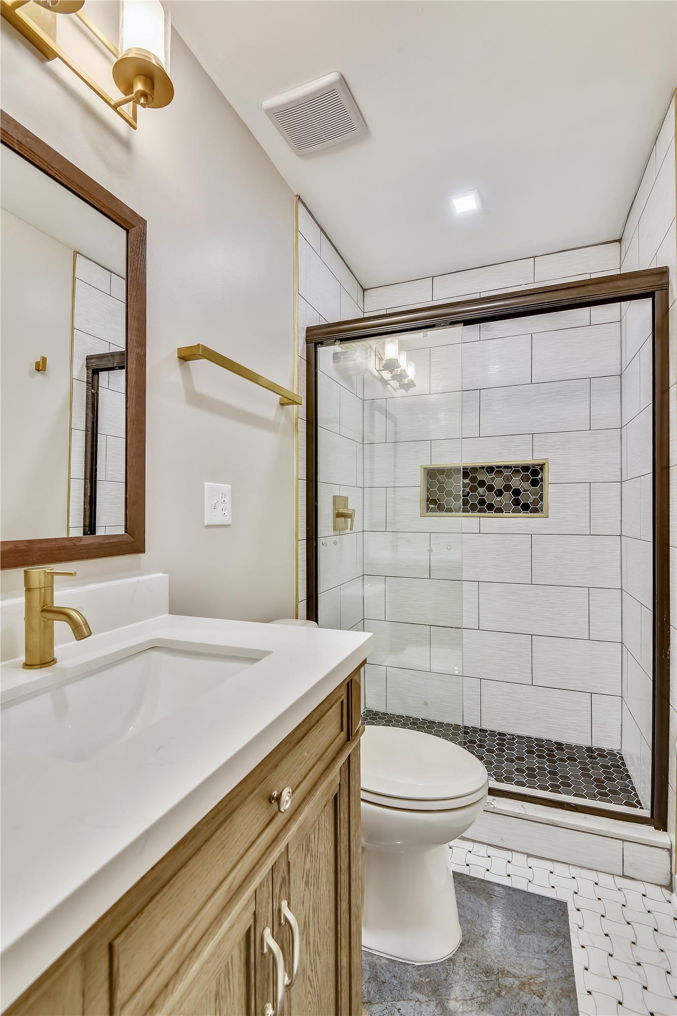 Main Level-Master Bath-_DSC3168