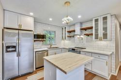 Main Level-Kitchen-_DSC3108