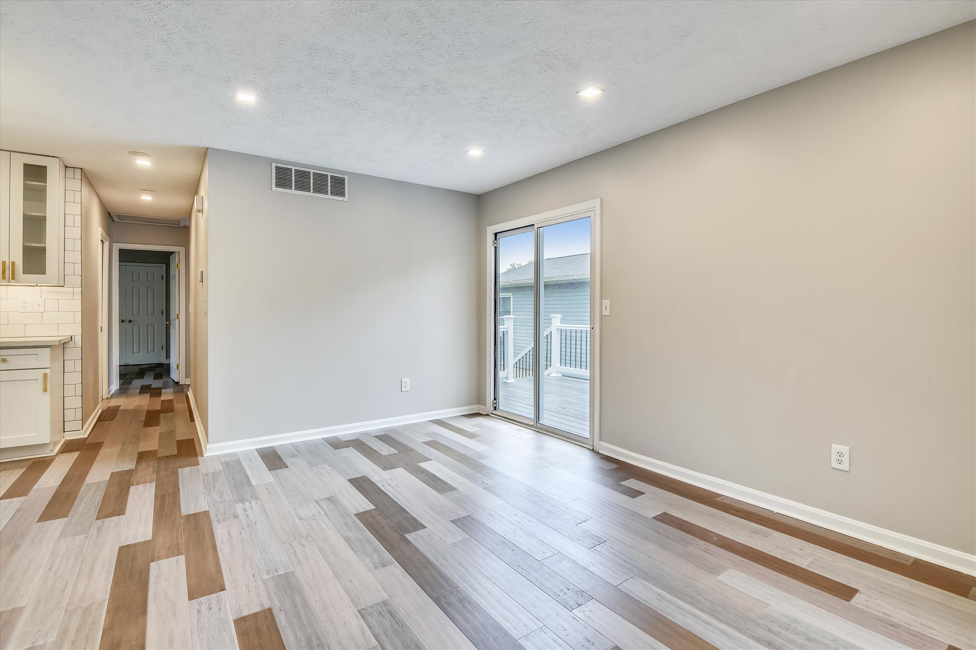 Main Level-Living Room-_DSC3103