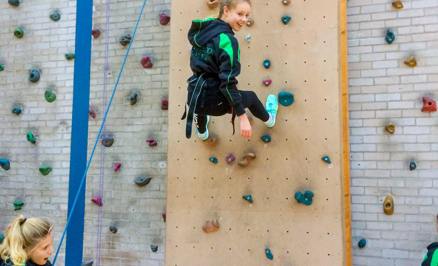 Yr-9-Climbing-and-Belaying-5.jpg