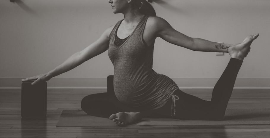 Hot Mama Yoga ™