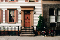 House_w_door