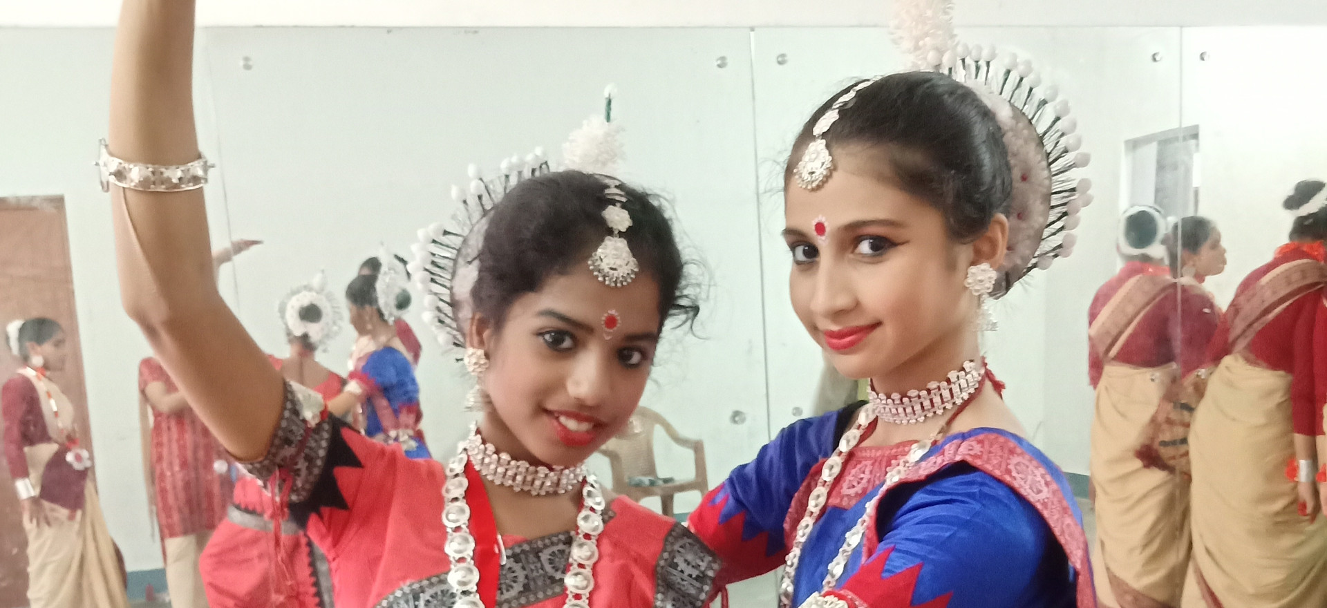 Odissi dancers ready to dance