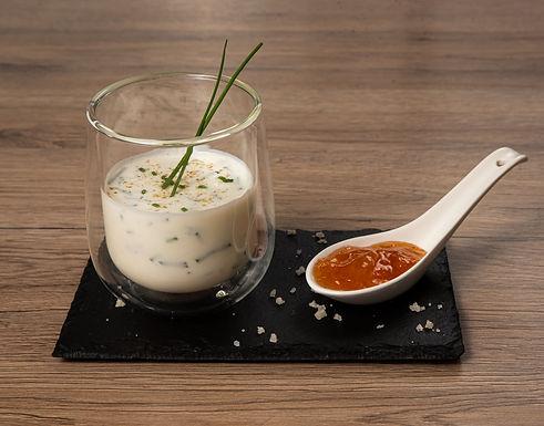 Compotée d'abricot, sauce yaourt menthe