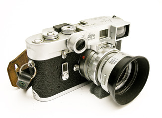 Leica_M4_with_35mm_and_gogles.jpg