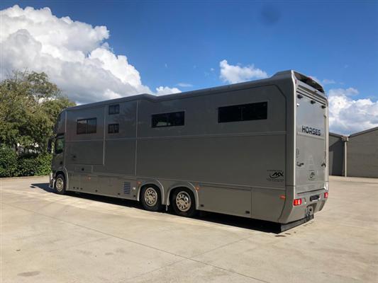 Mercedes Antos (AKX) 6 paards 11.png