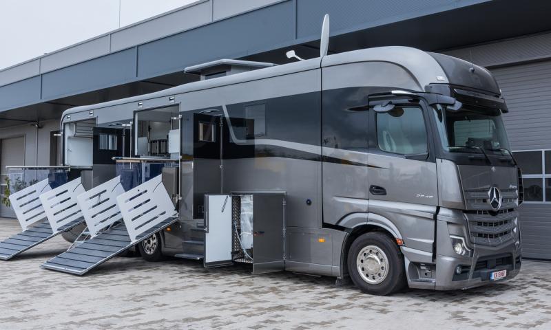 Mercedes Gigaspace 2548, 6 paarden