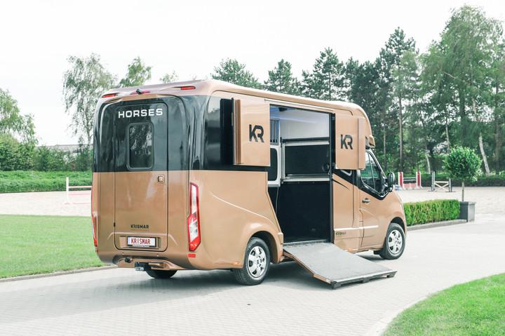 krismar 2paards vrachtwagen 6344-min.JPG