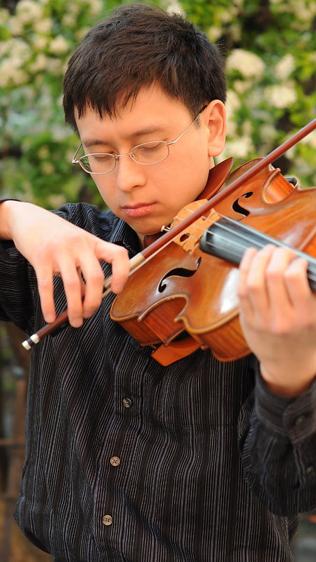 Violist and Violin/Viola Pedagogue Jonathan (Yizhi) Lee, Singapore