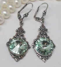 Earrings - Swarovski Chrysolite (mint)