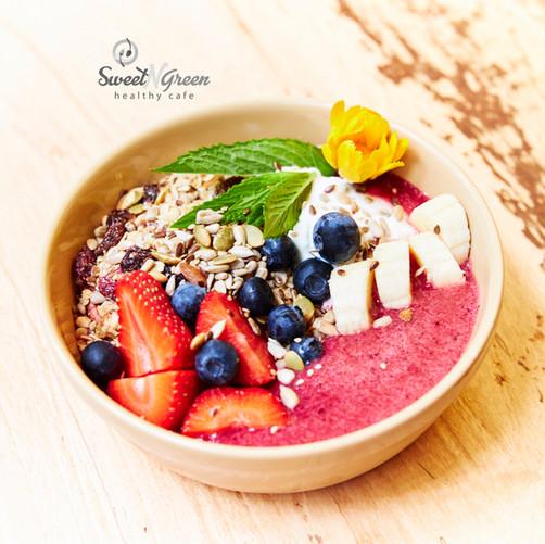 Sweet N Green Smoothie Bowl (Berries)