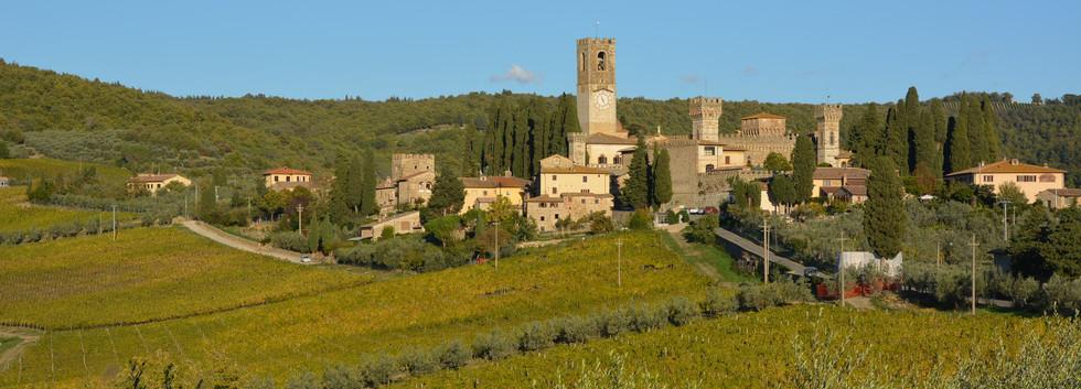 Fantastic views on the way into the Chianti Classico wine region