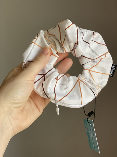 Zipper Pocket Scrunchie -Golden Marble