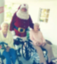 Pelican Garden residents meet with Santa