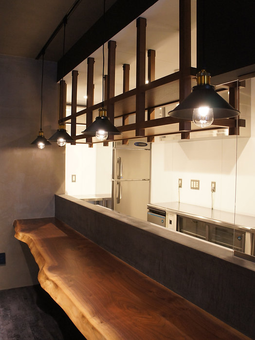 店舗内装工事、オーダー家具、東京、無垢家具、一枚板、カウンター