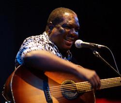 Vusi Mahlasela at The Egg