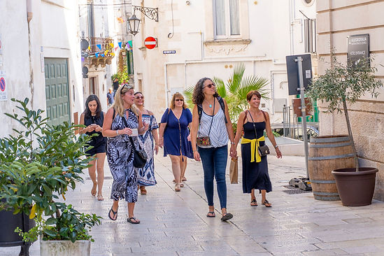 group walking ostuni 2.jpg