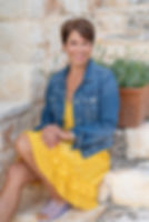 profile pic2 _sitting on steps.jpg