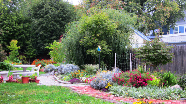 cottage district community garden fall '