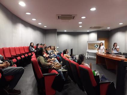 Auditorio con los estudiantes del semillero Piencias.