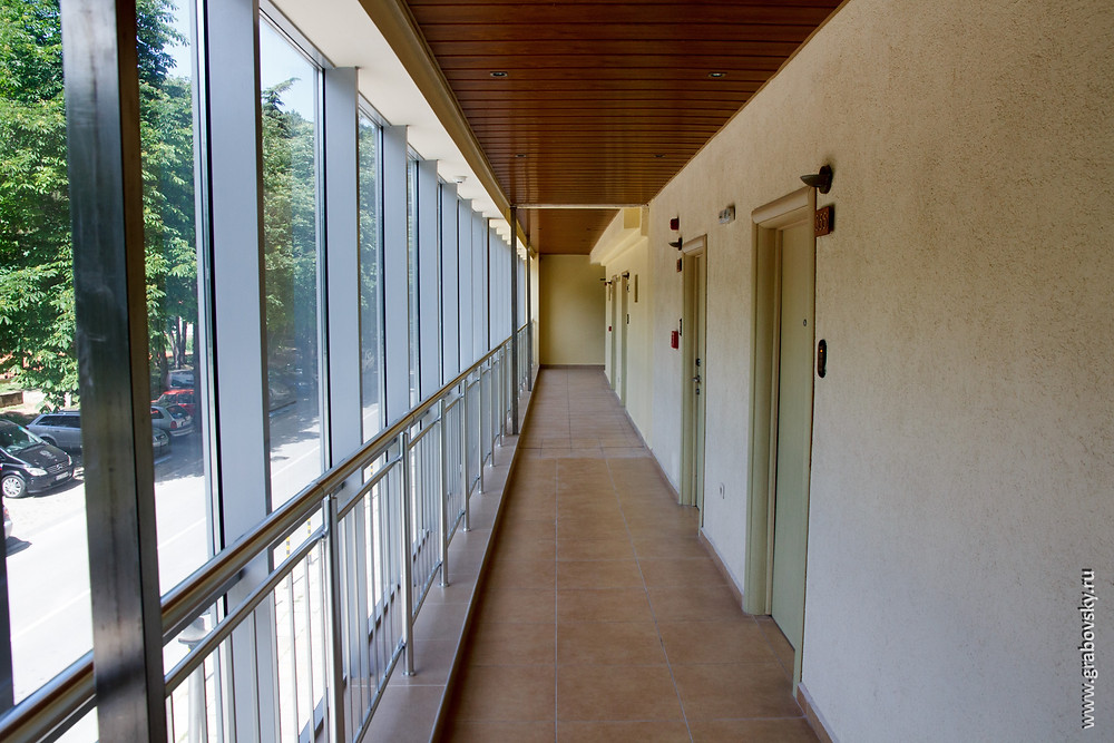 холл, входы в номер