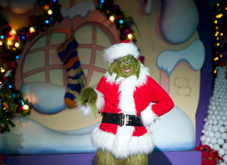 The Holidays Sparkle at Universal Orlando Resort in 2017!