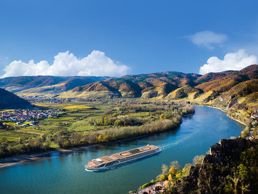 Top Three Reasons to Book a Fall Wine River Cruise