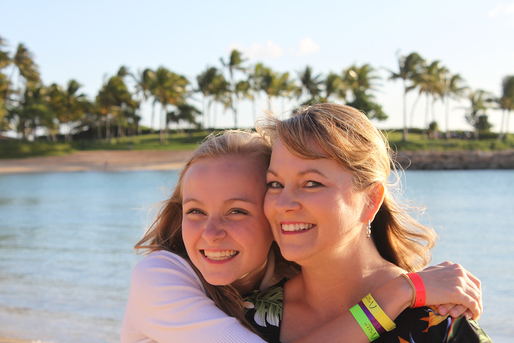 Heidi with her daughter at Aulani!
