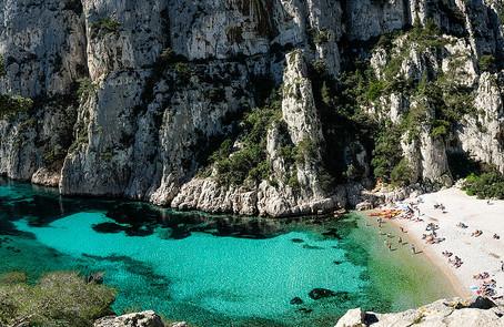 Votre Agence de Location de Voiture avec chauffeur à Marseille est à votre service 24h/24 et 7j/7