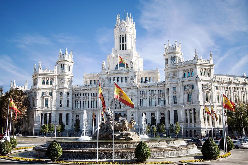 Votre Service de Location de voiture avec chauffeur fera un arrêt de 1 jours pour vous faire visiter Madrid