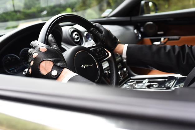votre voiture avec chauffeur montpellier une jaguar xj limousine voiture avec chauffeur. Black Bedroom Furniture Sets. Home Design Ideas